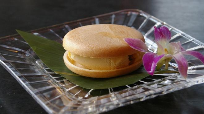 石垣牛 MARU - 料理写真:MARUモナカ