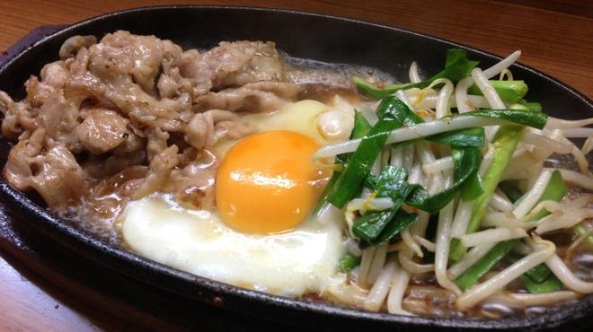 美味千成 - 料理写真:豚肉スタミナ焼き・500円
