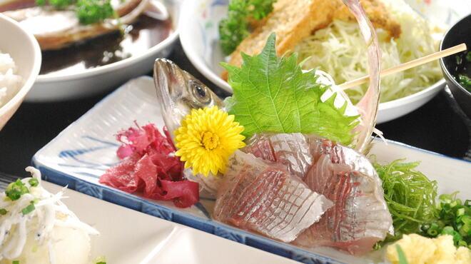 魚市場食堂 - メイン写真:
