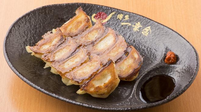 博多一幸舎 - 料理写真:博多一口餃子(10個)400円
