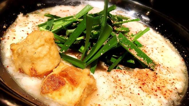 博多もつ鍋 福ヤ - 料理写真:あごだし山芋鍋 1500円 あごだしに山芋をトッピングしました。