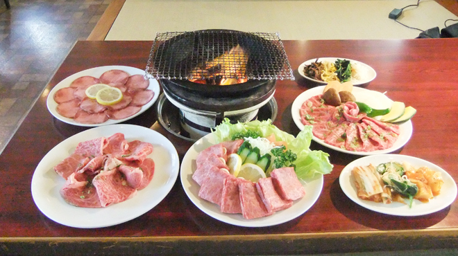 味園焼肉店 - メイン写真: