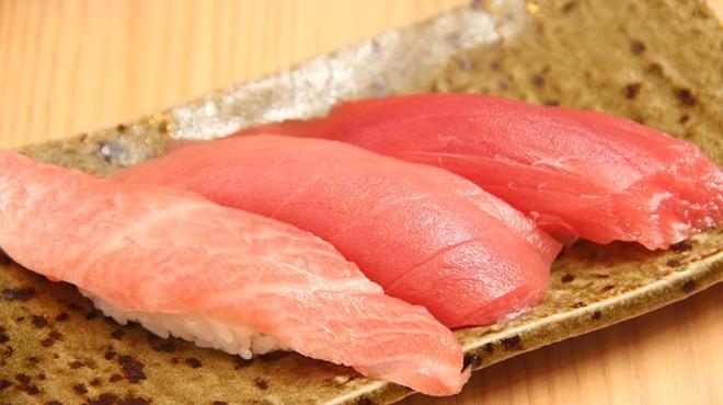 こだわり廻転寿司 まぐろ人 - メイン写真: