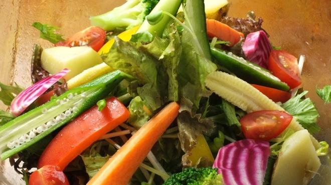 てっぺん 渋谷 女道場 - 料理写真:身体が喜ぶ 大地のサラダ