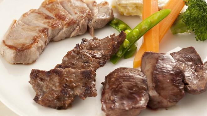 イベリコ・バル - 料理写真:イベリコプランチャ(盛り合わせたイメージ)