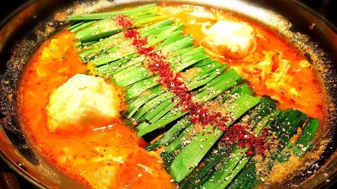 博多もつ鍋 福ヤ - 料理写真:みそチゲ 1300円 自家製の特性辛味噌をみそに加えました。