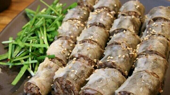 サンドゥレ・ポチャ - 料理写真:スンデ(腸詰め)も甘みがあってシンプルな肉の味わいがやみつきに