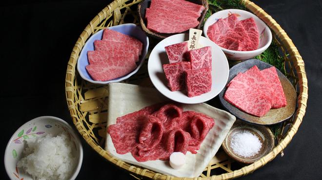 薩摩牛の蔵 - 料理写真:盛合せで色々なお肉を!
