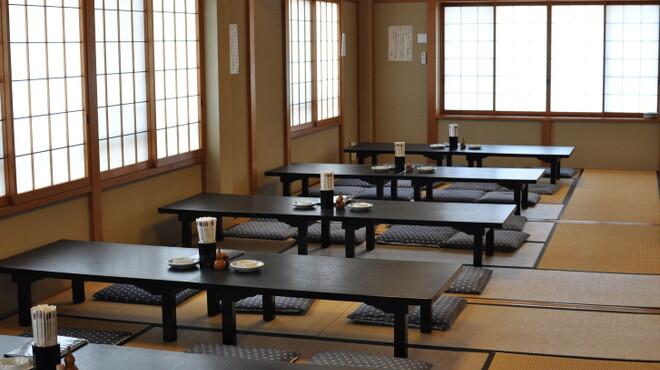 うな吉 - 内観写真:2階席は50名様程度お入り頂けます。各種ご宴会、御会食にも最適です。