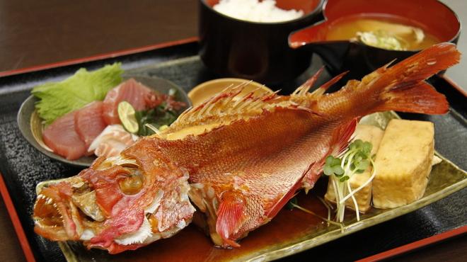 魚市場 いちわ - メイン写真: