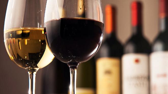 オーセンティック リビング ブッチャー エヌワイシー - ドリンク写真:ソムリエセレクションのワインお好きなだけで3,000円