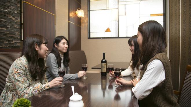 ホテル精養軒レストランラウンジ - メイン写真:
