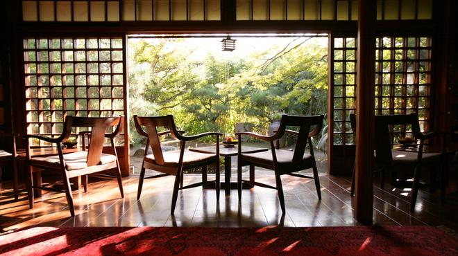 THE SODOH HIGASHIYAMA KYOTO - 内観写真:緑をみながら優雅なお食事を