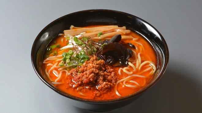 富山ブラック 麺家いろは - 料理写真:激辛タンタン麺