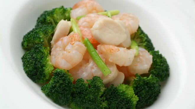 全聚徳 - 料理写真:海老、ホタテとブロッコリー炒め