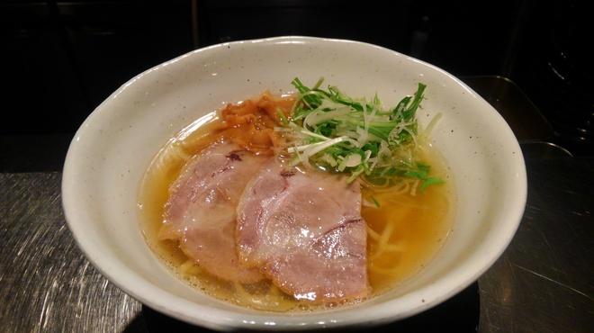 ちょんまげ食堂 ラーメン部 - 料理写真:あっさり系「魚と鶏のあっさり塩らーめん」