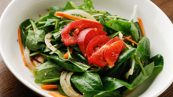 小屋 - 料理写真:ほうれん草サラダ