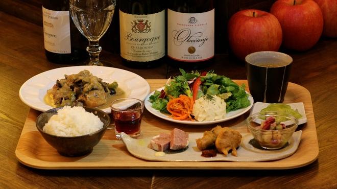 ファシュタ - 料理写真:ランチ「本日のスペシャルプレート」
