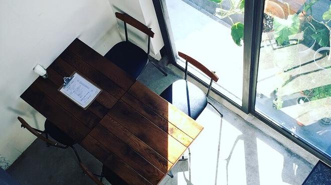 タンブリン カレー&バー - 料理写真:一階席