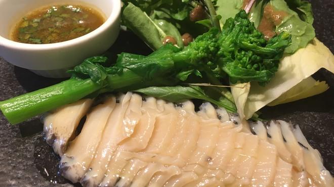 アジアンビストロDai - 料理写真:蝦夷アワビのカルパッチョ~肝ハーブ醤油で~