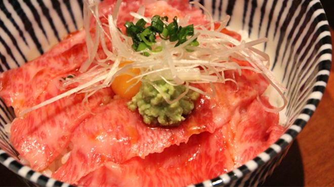 肉割烹バル 牛牛 GYUGYU - メイン写真: