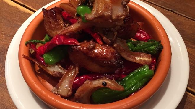アガリコタラート - 料理写真:鶏ももとナンコツの花山椒炒め