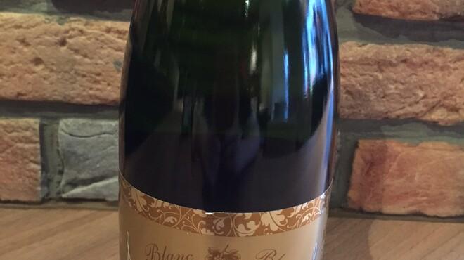 tre Bottiglie - 料理写真:スパークリングワイン