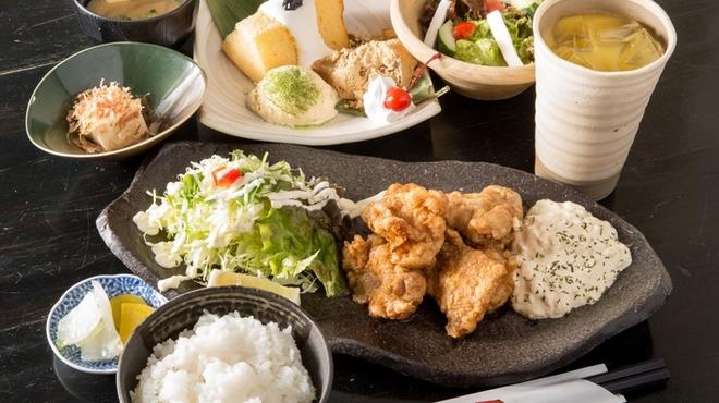 お食事処 花水木 - 料理写真:定食に+350円でデザートプレート&選べるドリンク付きにできるディナーセット