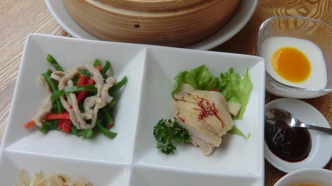 恵泉 - 料理写真:春餅(チュンビン)ランチ
