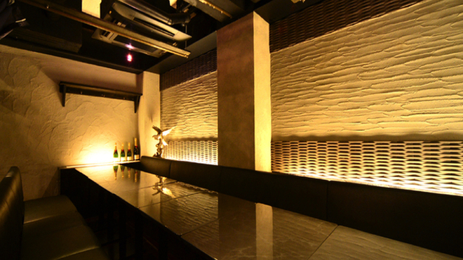 デザイナーズ個室×オリエンタルバル Vearth - メイン写真: