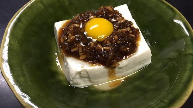 千春鮨 - 料理写真:大将の一品。 絹豆腐のもろみ和え うずらの卵がポイントです。