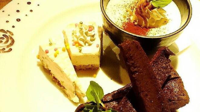 馬鹿とけむり - 料理写真:特別な日にデザート盛り合わせを!