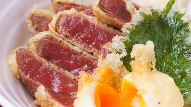 肉家焼肉ゑびす本廛 - 料理写真:赤身ランプ肉の牛肉天丼