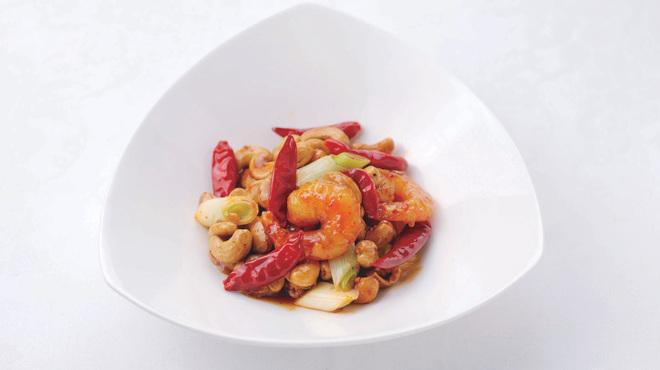 横浜大飯店 - 料理写真:海老とカシューナッツの甘辛炒め