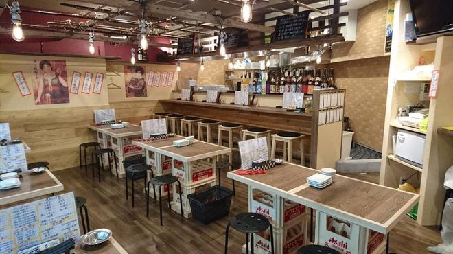 天ぷら・鉄板焼酒場 しん家 - 内観写真: