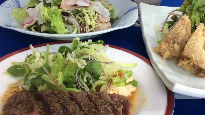長崎卓袱浜勝 - 料理写真:しっぽく浜勝の本格鯨料理