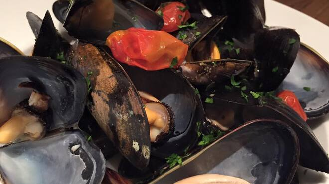 カンティーナ コニーリォ・ビアンコ - 料理写真:ムール貝ワイン蒸し