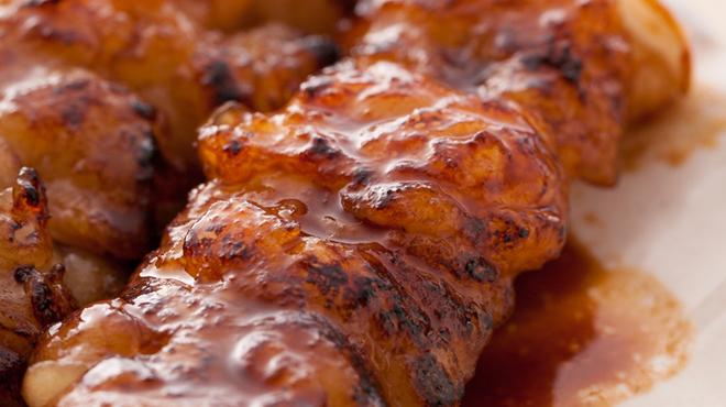 炭火串焼と旬鮮料理の店 炭火焼 炉暖 - 料理写真:コラーゲンたっぷり!ぷるぷるのしまちょうは食べ応えあり!