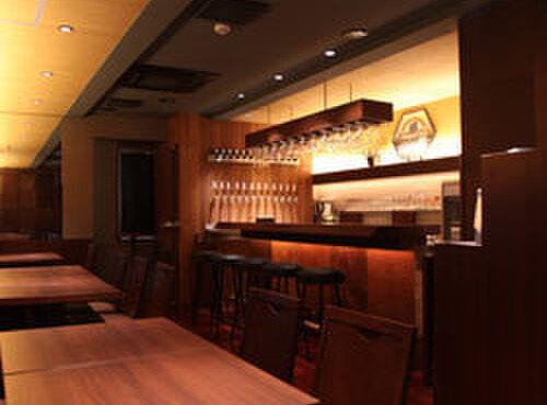 蔵くら - 内観写真:落ち着いた雰囲気のお店でゆっくりビールをお楽しみください。