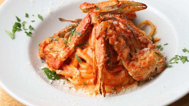 青いナポリ - 料理写真:お子様にも大人気!ワタリガニのトマトクリームタリアテッレ