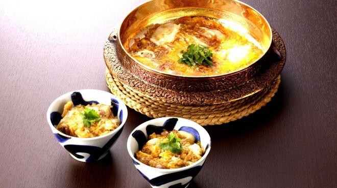 吹上庵 - 料理写真:すき焼きコースの〆は、一番人気の親子丼!
