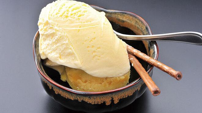 焼肉 殿 - 料理写真:ほくほくの芋の上に冷たいバニラ!この相性は抜群!