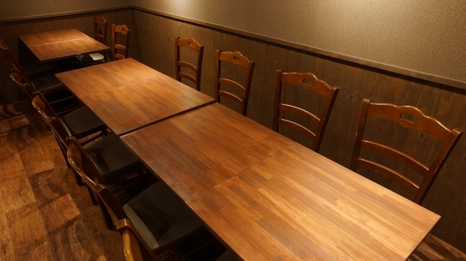 鶏と魚のわら焼き居酒屋 うちわ - 内観写真:【12名様テーブル席イメージ】