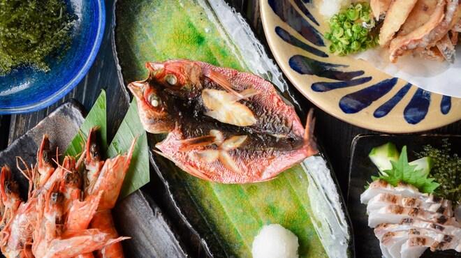 炭焼家 てんぷす - 料理写真:地元産の海の幸