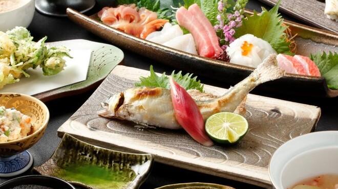 龍月  SUSHI - 料理写真:すし懐石 いざよい