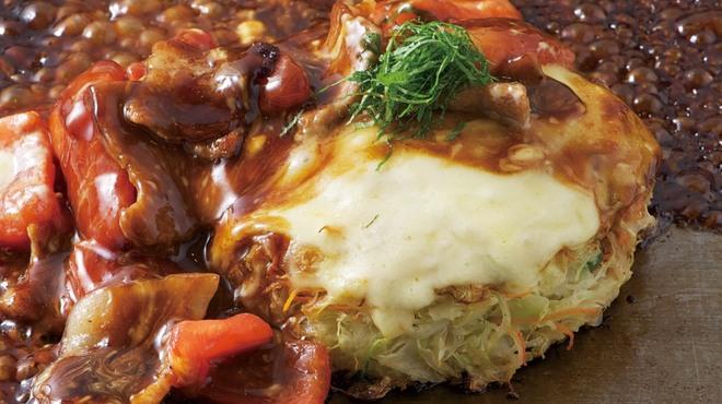 京ちゃばな - 料理写真:名物 トマトのお好み焼き