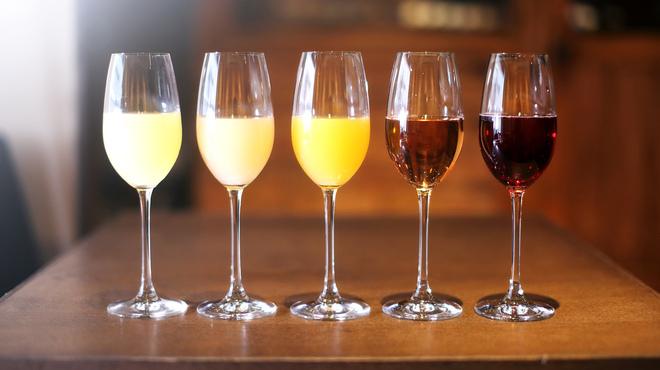 コルクルム - ドリンク写真:夏の宴会飲み放題に、爽快なスパークリングワイン・カクテルを多数ご用意いたしております!