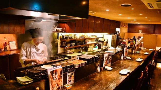 福みみ - 内観写真:目の前でお料理を作ります!カウンター席