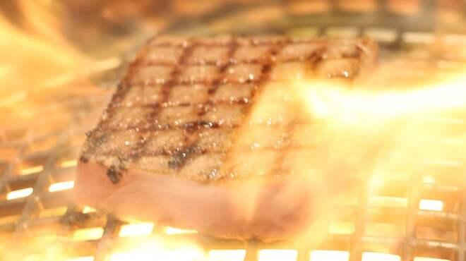 焼肉・しゃぶしゃぶ 肉の鶴々亭 - 料理写真: