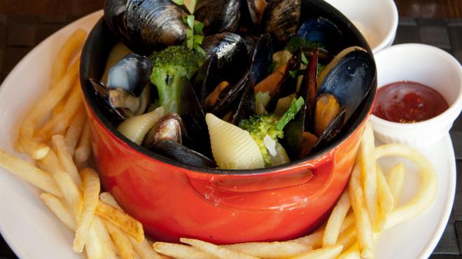 グラティア - 料理写真:GRATIA自信作、 欧州名物ムールフリット